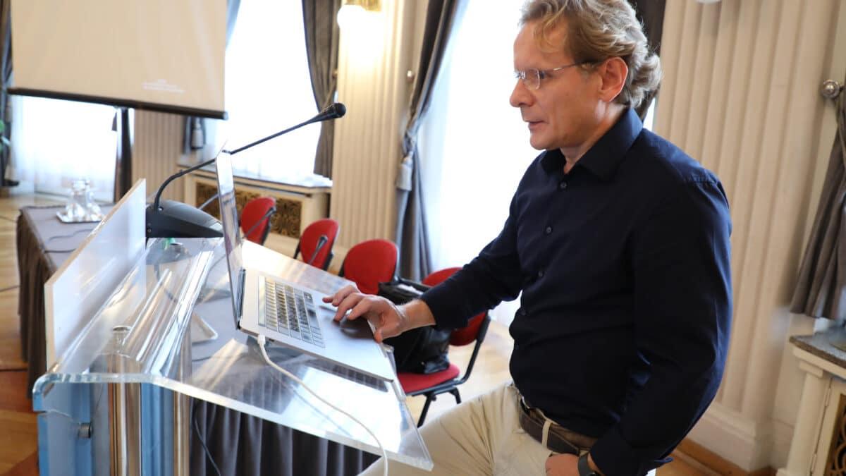 Prof. dr. Ivan Đikić: Tumore ćemo liječiti cjepivom, kao gripu