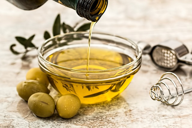 Blagodati maslinovog ulja: iznimno je zdravo, a može ga se dodati i u slastice